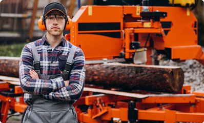Hirschbach-GmbH-Jobs-Home-Holzbearbeitungsmechnaiker-Web-2.jpg