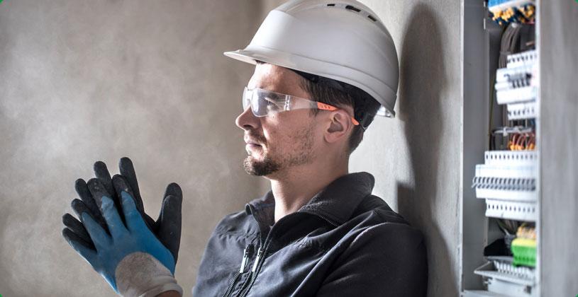 Hirschbach-GmbH-Jobs-Elektroniker-Web.jpg