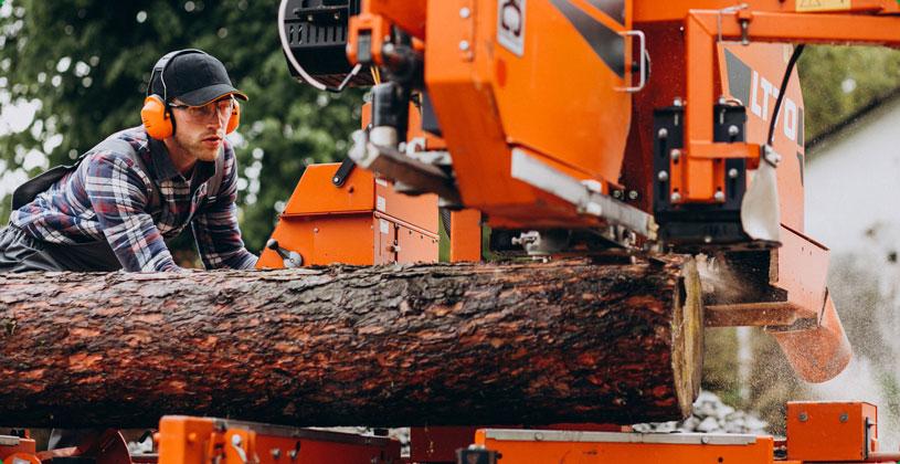 Hirschbach-GmbH-Jobs-Holzbearbeitungsmechaniker-Bild2-Web.jpg